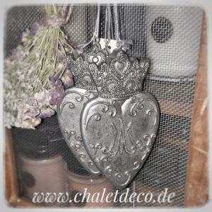 Herz-Haenger-Chalet-Deco