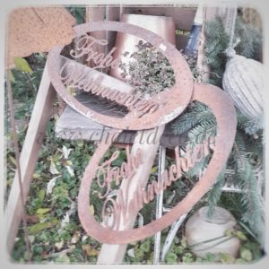 Schild-Frohe-Weihnachten-zum Hängen